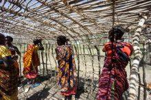 Öffentliche Führung im Frauenmuseum Hittisau – Maasai Baumeisterinnen aus Ololosokwan